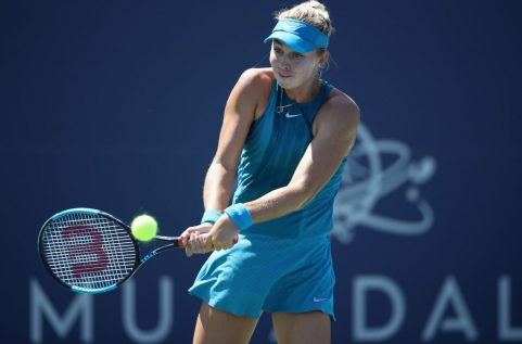 SAN JOSE, CA - AUGUST 01: Ashley Kratzer of the United States returns a shot to Elise Mertens of Belgium during Day 3 of the Mubadala Silicon Valley Classic at Spartan Tennis Complex on August 1, 2018 in San Jose, California.